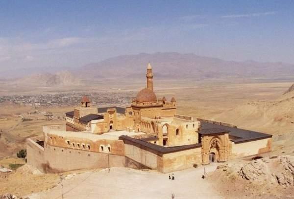 İshak Paşa Sarayı Cami 100 yıl sonra ibadete açıldı