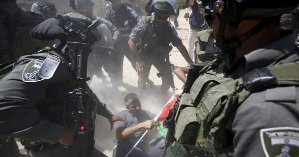 İsrail Askerleri ile Filistinliler arasında çatışma: 99 yaralı