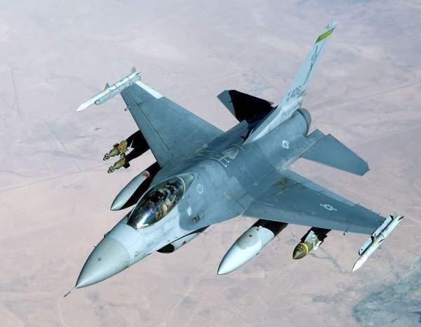 Kuzey Denizi'ne, Danimarka'ya ait F16 uçağı düştü