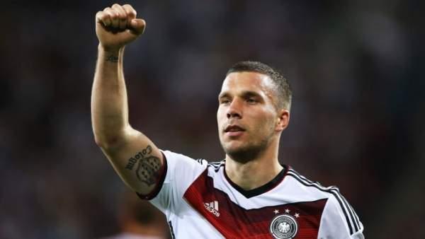 Lucas Podolski'den kötü haber
