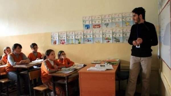 MEB Okulları Suriyeli Mülteci Çocukların Eğitimine Açacak