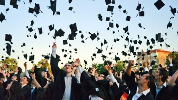 Mezun Olan Öğrencinin Kredi ya da Bursu Ne Zaman Kesilir?