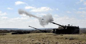 Fırtına obüsleri ve uçaklar DAEŞ bölgesini bombalıyor