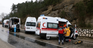 Elazığ'da yolcu otobüsü devrildi! 27 yaralı