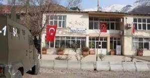 Şemdilli Belediyesi'nin kapıları kilitlendi