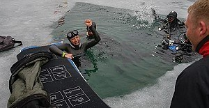 Derya Can buz altında yeni dünya rekoru kırdı