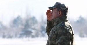 Genelkurmay Başkanı Hulusi Akar Suriye sınırında