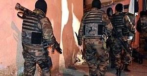 İstanbul'da 10 adrese eş zamanlı terör operasyonu
