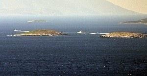 Kardak'ta gergin anlar - Yunan botu...