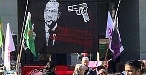 İsviçre'de yapılan gösteride skandal Erdoğan pankartı