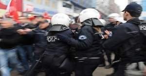 Ankara'da izinsiz gösteriye polis müdahalesi