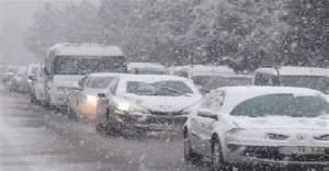Ankara'da kar yağışı sonrası zincirleme trafik kazaları