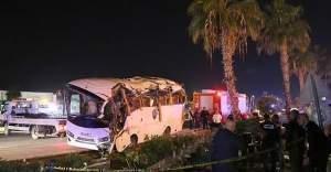 Antalya'daki trafik kazasında 20 kişi yaralandı