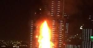Gökdelende korkutan yangın!