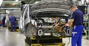Otomotiv üretimi krize girdi, Rusya geri adım attı