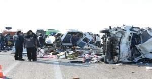 Van-Erciş yolunda katliam gibi kaza: 11 ölü, 6 yaralı