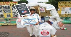 ABD'yi protesto eden İspanyol yaşamını yitirdi