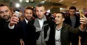 Beşiktaş'ın yeni oyuncusu Alexis Delgado İstanbul'a geldi