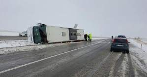 Kırşehir'de yolcu otobüsü devrildi