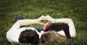 Whatsapp aşk mesajları ile sevgiliye kısa sözler göndermek çok kolay! En güzel aşk mesajları burada