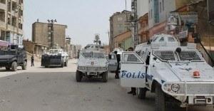 Yüksekova'da emniyet müdürlüğü ve öğretmenevine saldırı düzenlendi