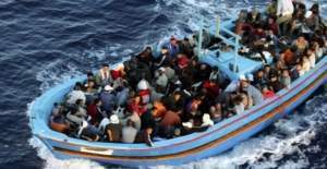 Akdeniz'de 400 göçmen boğuldu