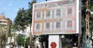 Aranan teröristler Siirt'te billboardda