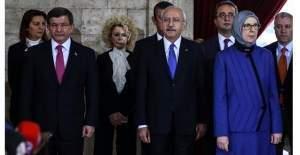 Kılıçdaroğlu, Ramazanoğlu'nun yüzüne bakamadı