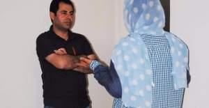 FETÖ ve PKK, Sur'daki ihaneti anlatan hemşirenin peşinde