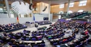 Almanya'daki Türk kökenli vekillerin 'Ermeni Soykırımı Yasa Tasarısı' kararı