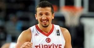Hidayet Türkoğlu istifa etti!