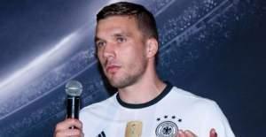 Lukas Podolski Galatasaray'dan ayrılıyor mu? İddialara cevap verdi