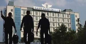 Hava Harp Okulu'na operasyon başlatıldı