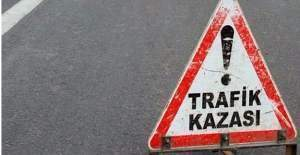 Kocaeli'de otomobil tıra çarptı! 4 ölü 1 yaralı