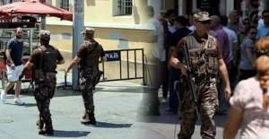 Özel Harekat Polisleri, İstiklal Caddesinde devriye geziyor