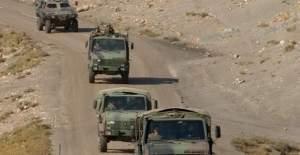 Şemdinli'de askeri araca hain saldırı