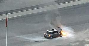 Ankara'da seyir halindeki araç alev aldı!