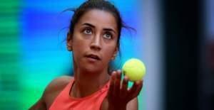 Milli tenisçi Çağla Büyükakçay yenildi !