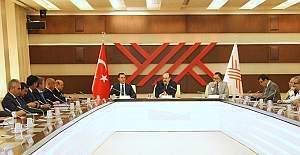 YÖK Başkanı Saraç ile AK Partili akademisyen milletvekilleri bir araya geldi!