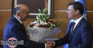 AK Parti'de görev devir teslimi