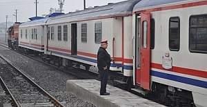Şüpheli çanta ihbarı üzerine Yozgat'ta tren boşaltıldı