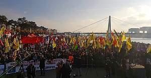 Almanya Köln'de PKK'lı göstericiler polise saldırdı