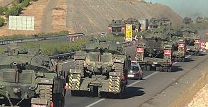 Tanklar ve askerler Silopi'ye doğru yola çıktı