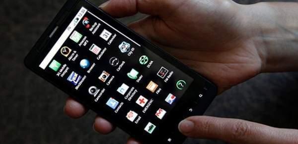 Yurtdışından getirilen cep telefonları için IMEI kayıt süresi uzatıldı