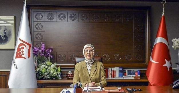 Aile Bakanı Başörtüsü nedeniyle hastaneden istifa etmiş