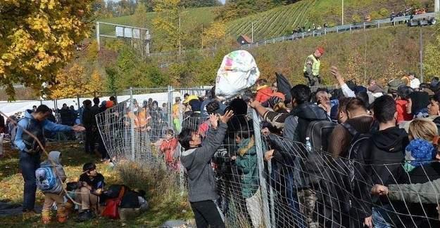 Kanada sığınmacılar için çalışıyor