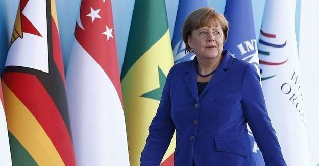 Merkel Türkiye'ye teşekkür etti
