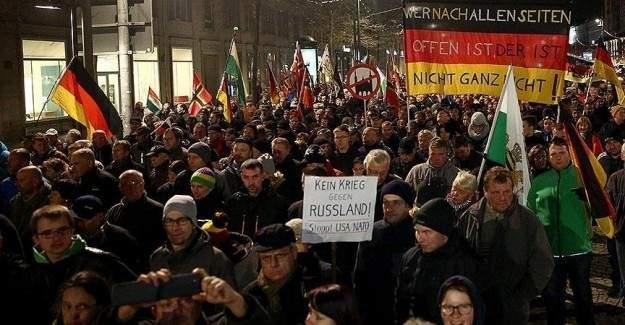 İslam karşıtlarının gösterilerine katılım azalıyor