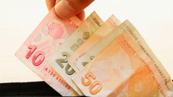 Maaşını peşin alan bir devlet memuru aylık izne ayrılırsa maaşını geri öder mi?