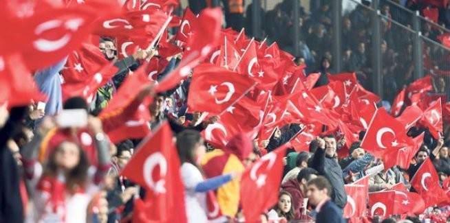 Serdar Ortaç'ın Euro 2016 şarkısı yayınlandı